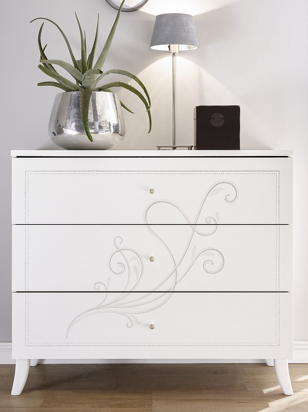 Commode Nivea 104 cm breed in mat wit