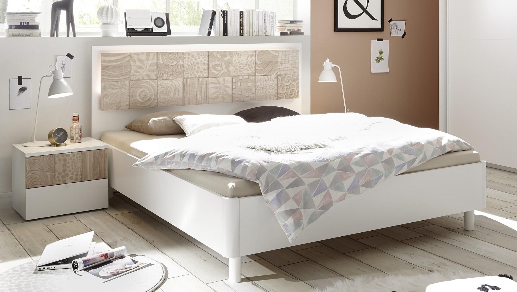 Tweepersoonsbed Perez 160x200cm in mat wit met sonoma eiken